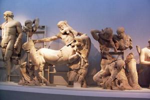 pediment sculpture Apollo battle