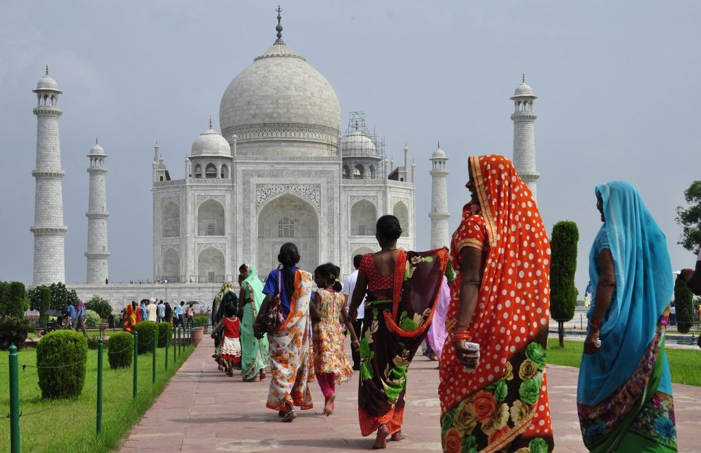This image has an empty alt attribute; its file name is taj-mahal-3654227_1920-1024x662.jpg